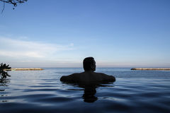 Bordo della piscina di infinito Immagine Stock Libera da Diritti