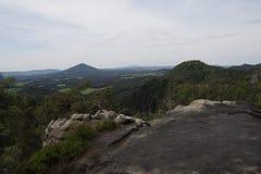 Bordo della scogliera dell'alta montagna Fotografia Stock Libera da Diritti