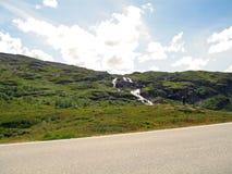 Bordo della strada naturale del ` s della Norvegia Fotografia Stock