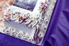 Bordo della torta birthdaty Immagine Stock