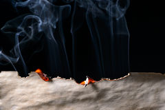 Bordo di carta bruciato fotografie stock libere da diritti