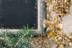 Bordo di gesso di Natale con la struttura d'argento Fotografie Stock