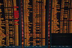 Bordo di informazioni di volo dell'aeroporto Immagine Stock