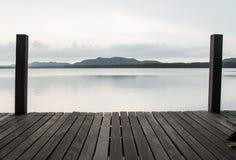 bordo di legno con il mare Fotografia Stock Libera da Diritti