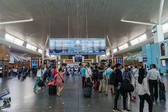 Bordo di partenza nell'aeroporto internazionale di chilolitro Partenza Hall Mala Immagini Stock