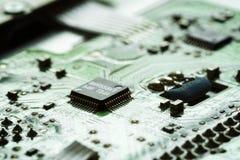 Bordo verde obsoleto del computer, dettaglio di tecnologia Immagini Stock