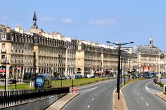 Bordoscy quays Z tramwajem, Francja zdjęcia royalty free