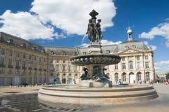 BORDOWIE FRANCJA, WRZESIEŃ, - 6, 2015: Fontaine des Trois Grï ¿ ½ ces w centrum bordowie, Aquitaine, Francja, Wrzesień 2015 Zdjęcia Royalty Free