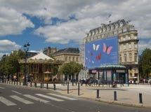 BORDOWIE FRANCJA, WRZESIEŃ, - 6, 2015: Rocznika carousel w Allï ¿ ½ es De Tourny, bordowie, Aquitaine, Francja, Wrzesień 2015 Zdjęcie Stock