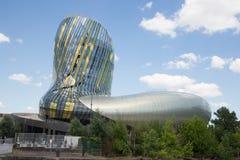 Bordowie, nowela Aquitaine, Francja/- 06 20 2018: Cytuje Du Vin pozycję na rzece Obrazy Stock