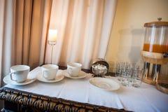 Bordsservis för frukost royaltyfria bilder
