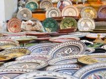 Bordsservis som färgas av Marocko Arkivfoton