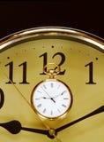 Borduhr und Armbanduhr stockbild