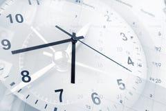 Borduhr und Kalender lizenzfreies stockfoto