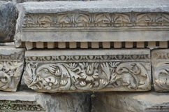 Borduurde de oude stad van Antalyaperge, Agora, oud Roman Empire, kolom Royalty-vrije Stock Foto