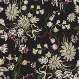 Borduurwerk bloemen naadloos patroon met kamilles en bogen Royalty-vrije Stock Afbeeldingen