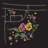 Borduurwerk bloemenpatroon met pansies en lieveheersbeestje voor zak van Stock Afbeelding