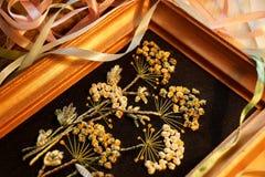 Borduurwerklinten op een zwarte achtergrond handmade Royalty-vrije Stock Foto
