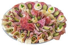 Bordvol van Servisch Smakelijk die Voorgerecht Meze op Witte Bac wordt geïsoleerd stock afbeelding