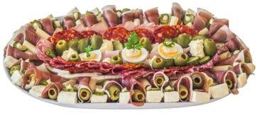 Bordvol van Servisch Smakelijk die Voorgerecht Meze op Witte Bac wordt geïsoleerd royalty-vrije stock fotografie