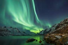 Borealis αυγής πέρα από Tromso Στοκ Φωτογραφία
