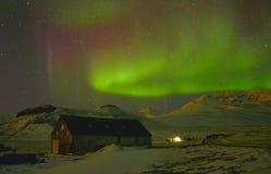 Borealis van de dageraad in IJsland royalty-vrije stock foto's