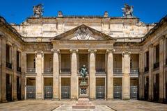 Borggård av den colombianska Kapitolium och kongressen, Bogota - Colombia Royaltyfri Bild
