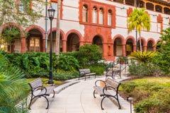 Borggård av den Flagler högskolan, USA royaltyfria bilder