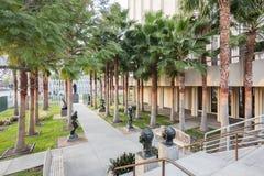 Borggård av den Los Angeles County konstmuseet Royaltyfria Bilder