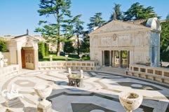 Borggård av den Pontifical akademin av vetenskaper royaltyfria bilder