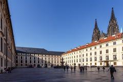 Borggård av den Prague slotten Royaltyfria Foton