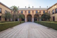 Borggård av den verkliga alcazaren i Seville Spanien Arkivfoto