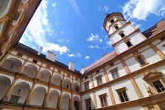 Borggård av det Eggenberg slottet i Graz Arkivfoto