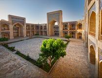 Borggård av en arabisk madrasah Royaltyfri Fotografi