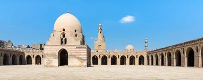 Borggård av Ibn Tulun Mosque, Kairo, Egypten Arkivfoton