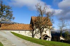 Borggård av slottet i Balzers, Lichtenstein Royaltyfri Fotografi