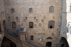 Borggård i Museoen Nazionale del Bargello Florence italy Arkivfoton