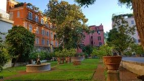 Borggård i Rome, Italien arkivbilder