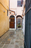 Borggård i Vevice, Italien Royaltyfri Bild