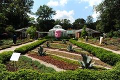 Borggård på det Dixon gallerit och trädgårdar i Memphis, Tennessee Arkivbild