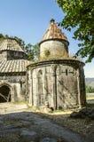 Borggården av klosterkomplexet med det runda kapellet av Gregory täckte med kolonner för snittet ut Royaltyfria Foton