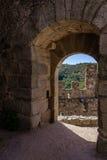 Borggårdingång av den Templar slotten av Almourol Royaltyfri Fotografi