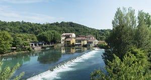 Borghetto sul全景的Mincio 库存照片