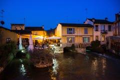Borghetto sul Mincio,威尼托,意大利,黄昏的 免版税库存照片
