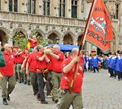 Borgmästare av Bryssel deltar i koloni av Mayboom Royaltyfri Bild
