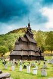 Borgund梯级Stavkirke教会和坟园,挪威 免版税库存图片
