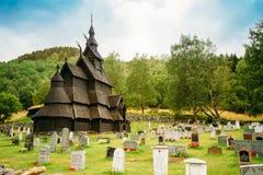 Borgund梯级Stavkirke教会和坟园, 库存图片