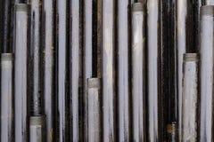 Boring van olie en gasputten De inspectie van de boorpijp Het buizenstelsel voor olie en gas maakte van op het voetstuk een lijst royalty-vrije stock foto's
