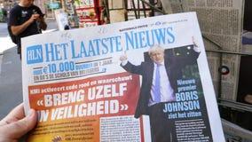 Boris Johnson Het Laatste Nieuws-krant stock footage