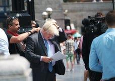 Boris Johnson utanför stadshuset arkivfoto